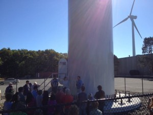 Wind power supporters learn about the details of wind based clean energy
