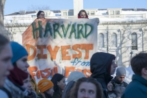 Students at Harvard University call for divestment in fossil fuels. (The Berkshire Edge)